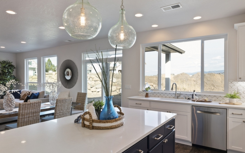 011_1819_S._Sundance_Rd_Kitchen