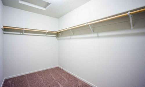 028_Walk-In_Closet