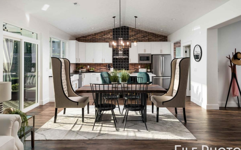 28_Dining_and_Kitchen