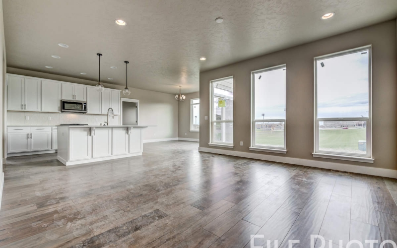 3517_S_Lincoln_St_Kennewick-11_Family_Room