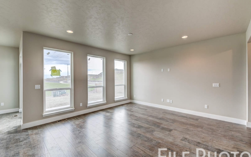 3517_S_Lincoln_St_Kennewick-14_Family_Room