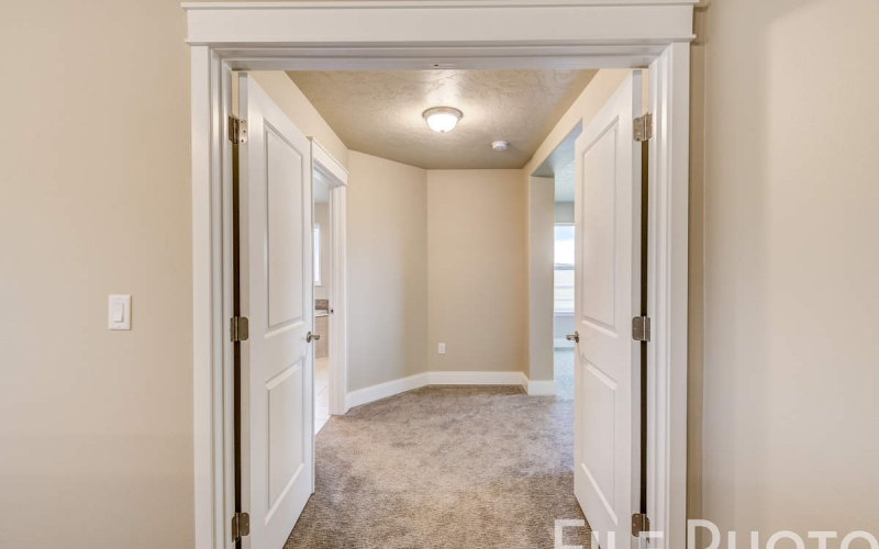 3517_S_Lincoln_St_Kennewick-40_Master_Suite