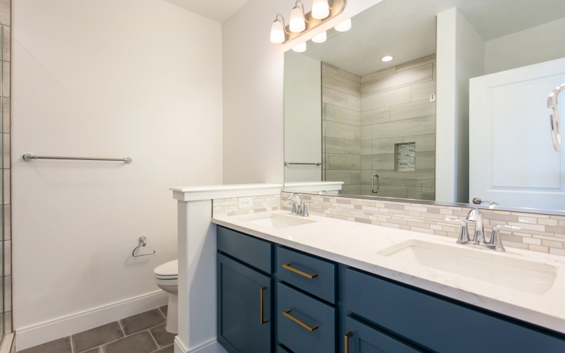 4498_Corvina_St_4.1.19_22_Master_Bath