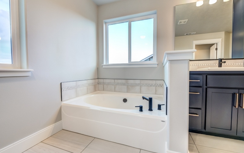 4601_Santa_Cruz_Ln_Pasco-53_Master_Bathroom