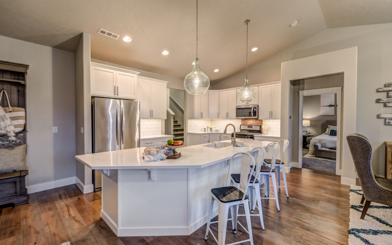 5901_Grandin_Lane_Pasco-10_Kitchen