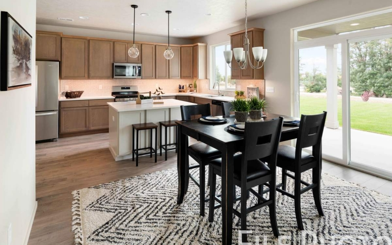 613_W_35th_Ave_12_Dining_Nook