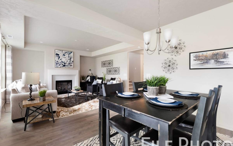 613_W_35th_Ave_13_Dining_Nook