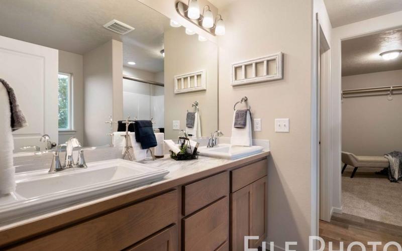 613_W_35th_Ave_22_Master_Bathroom