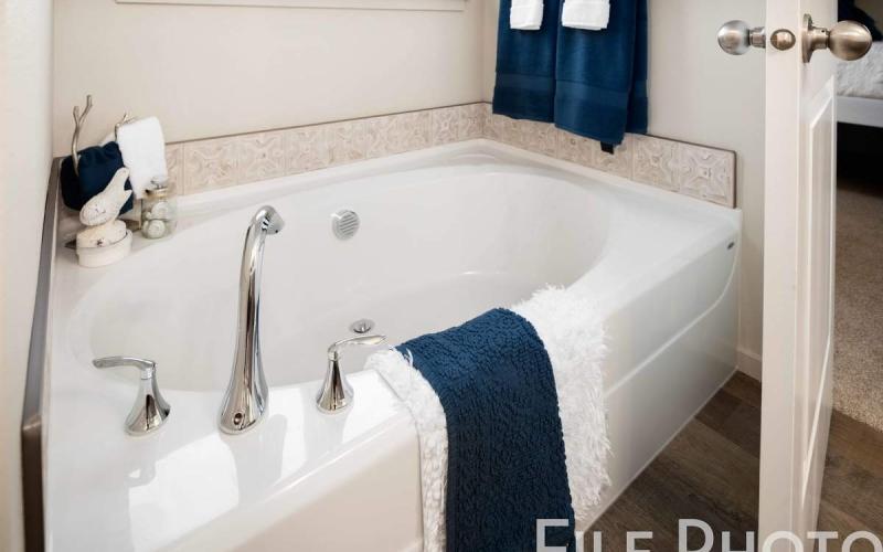 613_W_35th_Ave_26_Master_Bathroom