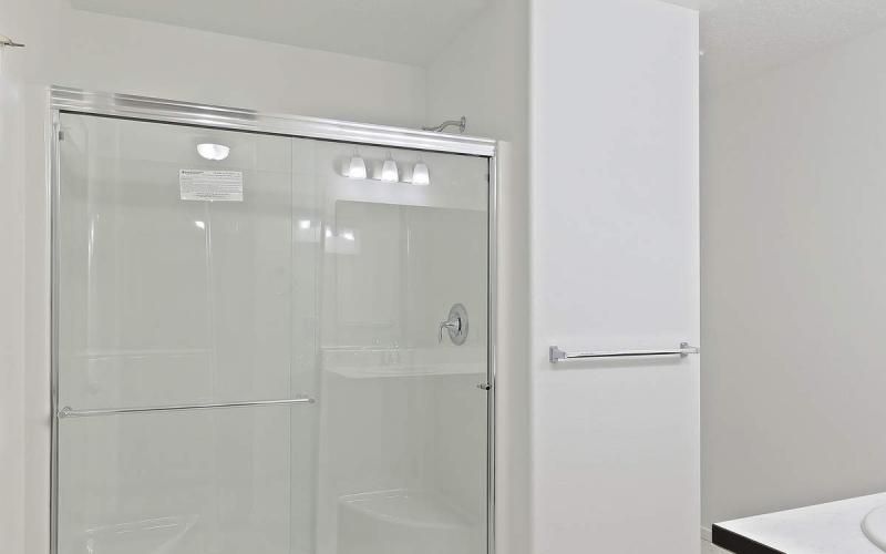 MT130110_016_Master_Shower