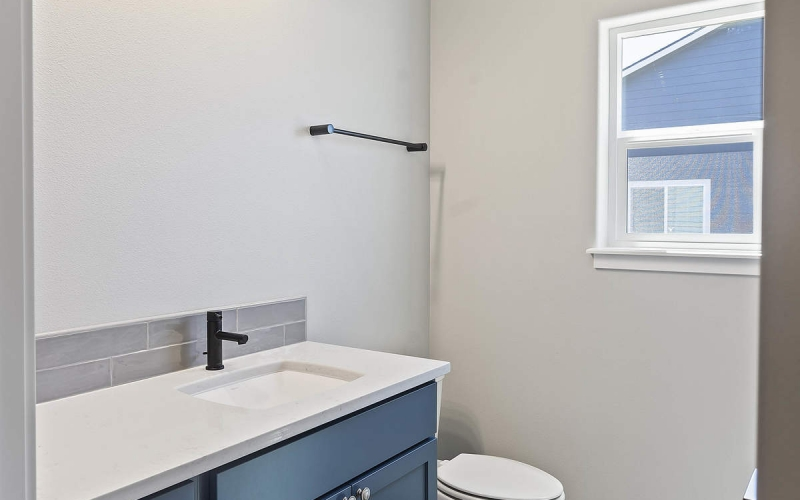 TB040207_015_Bathroom